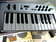 M AUDIO Keyboards/MIDI Equipment OXYGEN 8 MIDI CONTROLLER